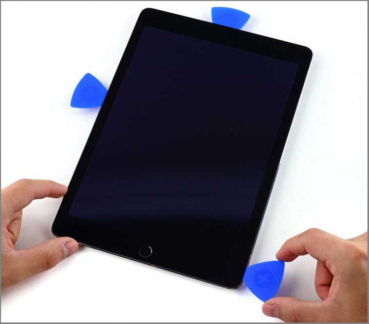 iPad air 2 screen replacement - Step 19 - Take the opening pick from the right-side bottom of the screen