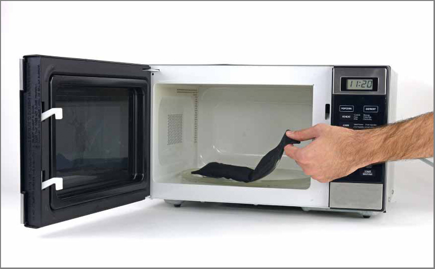 iPad air 2 screen replacement - Step 3 - remove opener from microwave